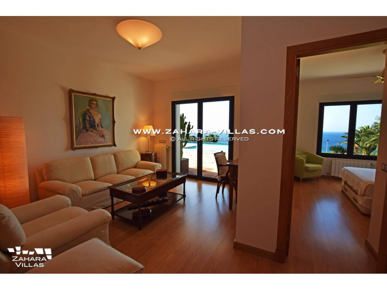 Imagen 30 de Maravilloso Chalet en venta en la zona del Faro Camarinal con vistas panorámicas a la Playa de los Alemanes