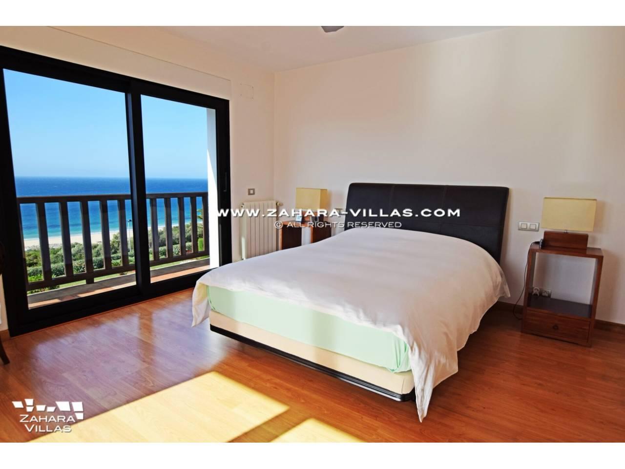 Imagen 42 de Maravilloso Chalet en venta en la zona del Faro Camarinal con vistas panorámicas a la Playa de los Alemanes