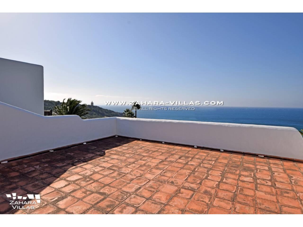 Imagen 45 de Maravilloso Chalet en venta en la zona del Faro Camarinal con vistas panorámicas a la Playa de los Alemanes