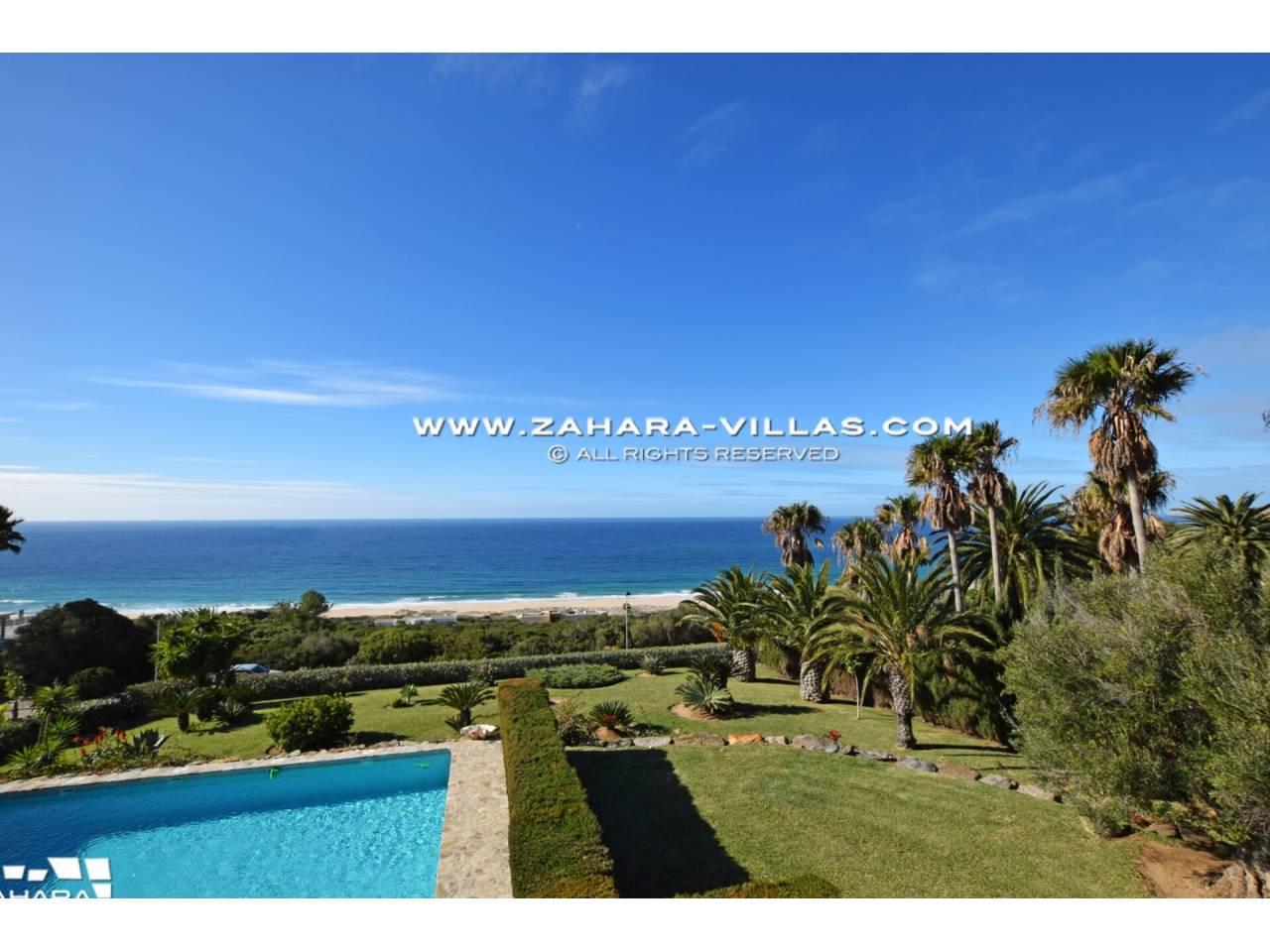 Imagen 53 de Maravilloso Chalet en venta en la zona del Faro Camarinal con vistas panorámicas a la Playa de los Alemanes
