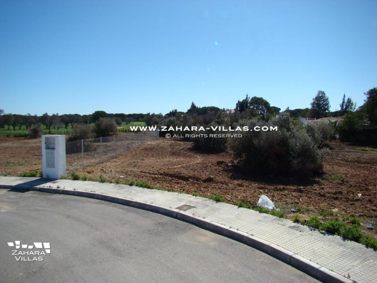 Imagen 2 de Plot for sale in Las Lagunas-Campano
