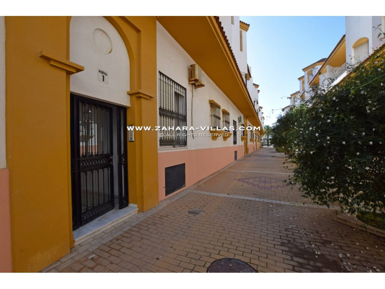 Imagen 18 de Apartment for sale in Zahara de los Atunes