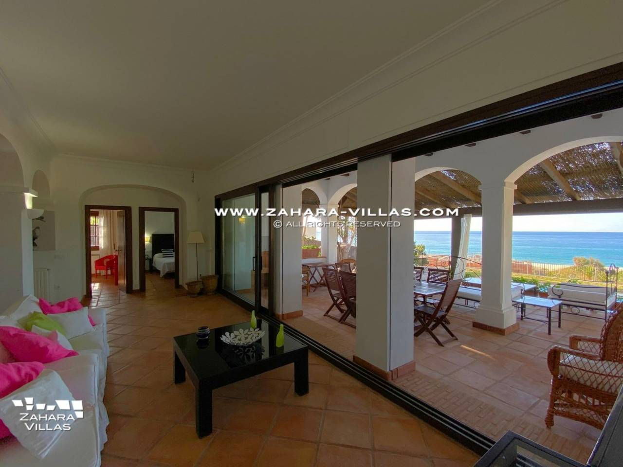 Imagen 5 de Magnificent Beachfront Villa 5 Bedrooms