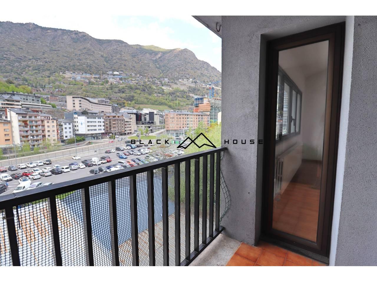 Dúplex de lloguer a Andorra la Vella al costat de l'avinguda principal
