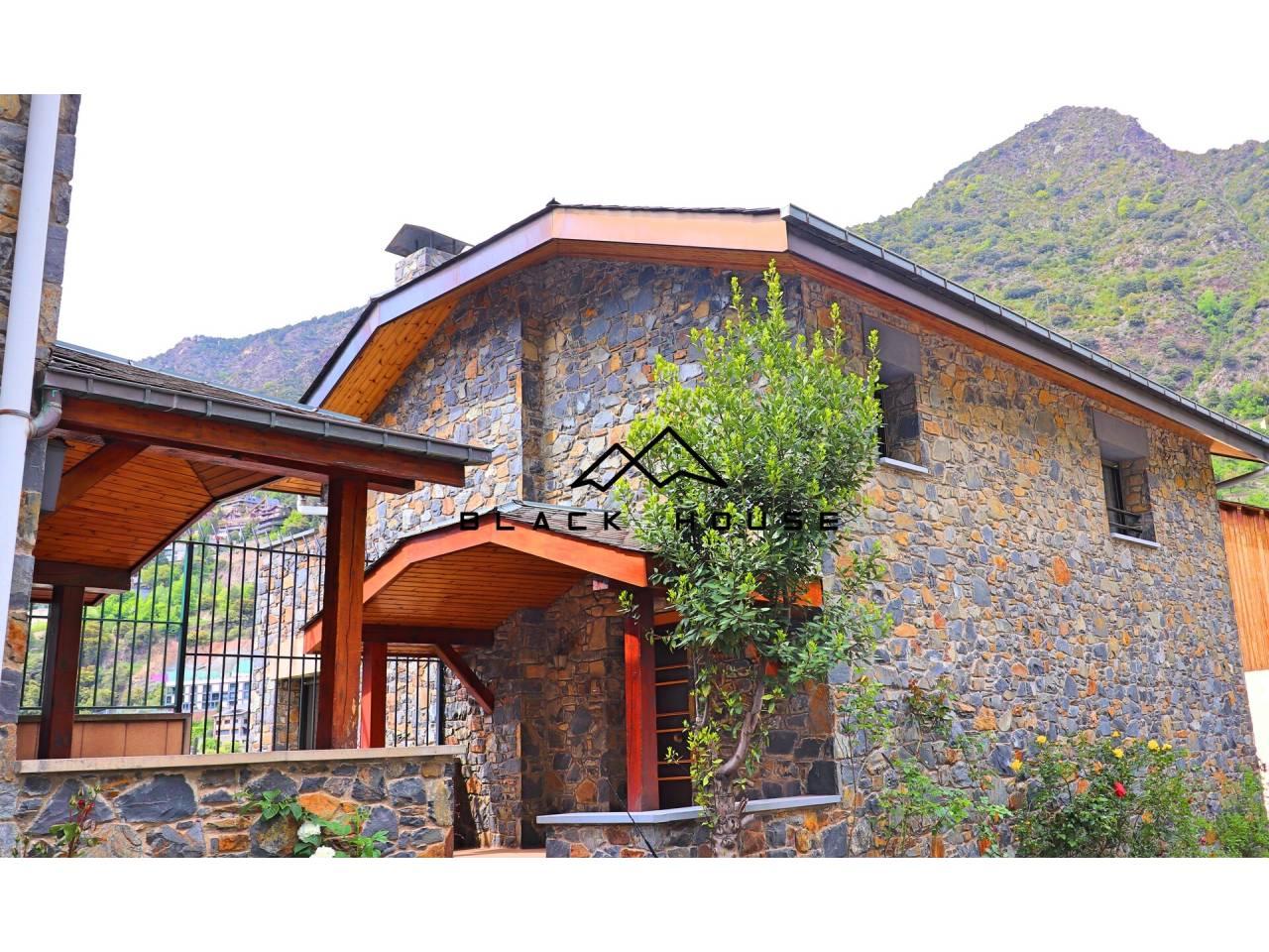 Majestueuse maison à louer à Escaldes.
