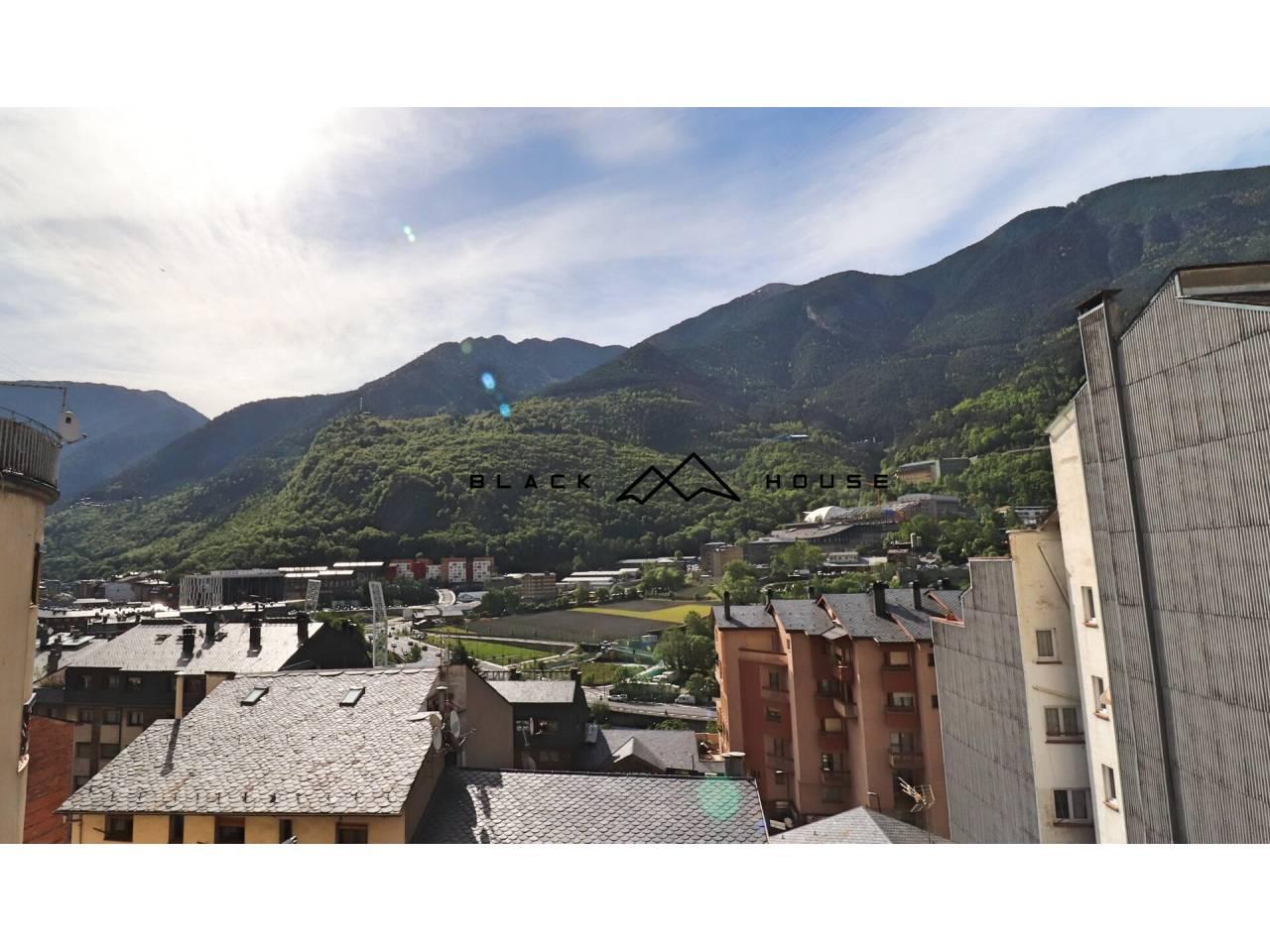 Fantástica oportunidad en el centro de Andorra la vieja.