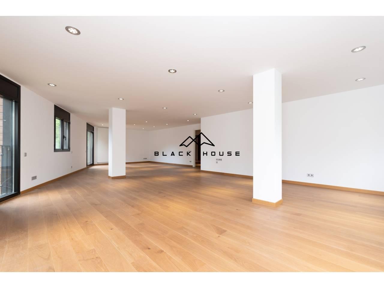 Appartement exclusif à vendre de grande taille et avec de belles vues sur la vallée