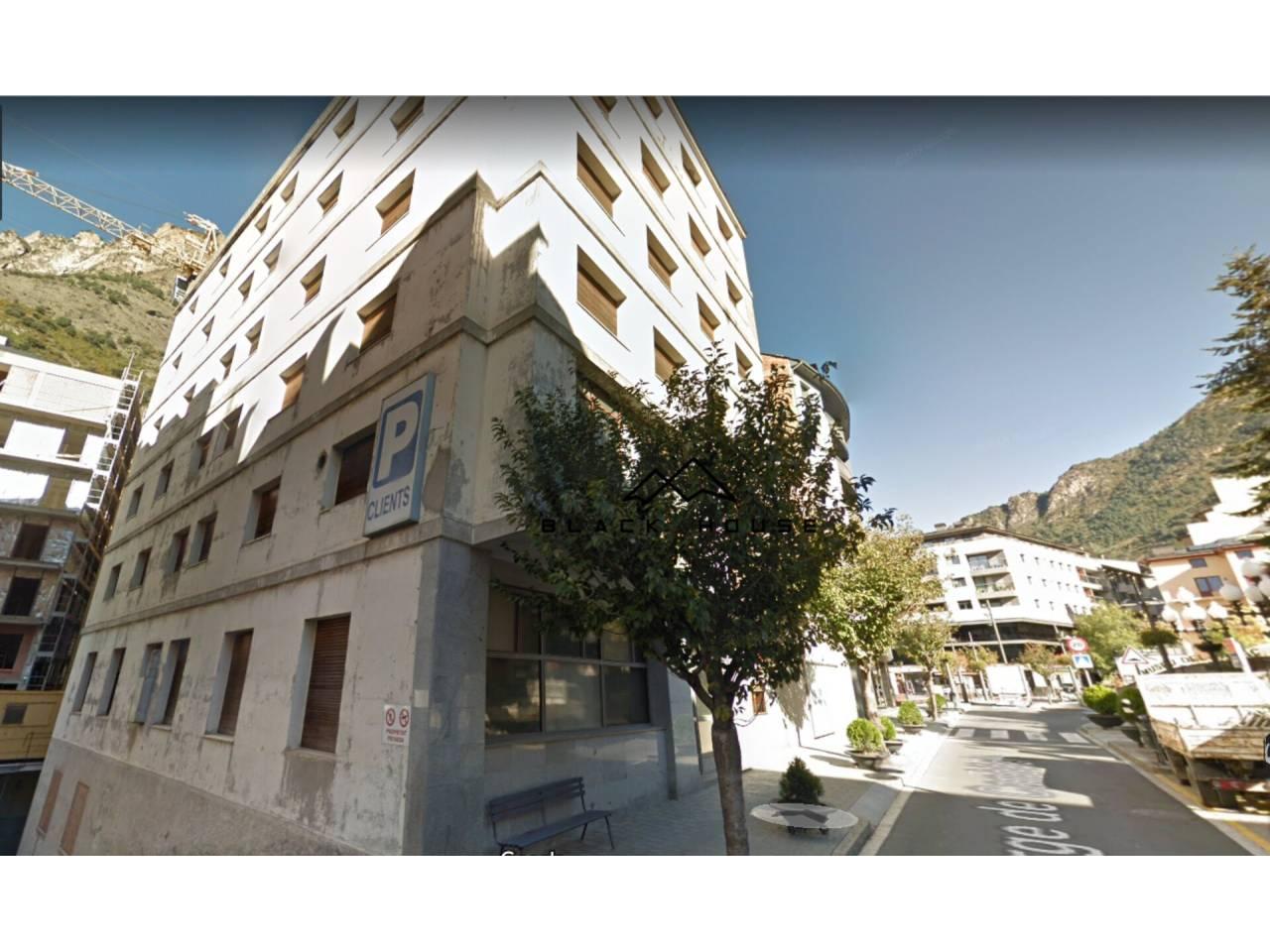 Edificio en venta en Sant Julià de Lòria