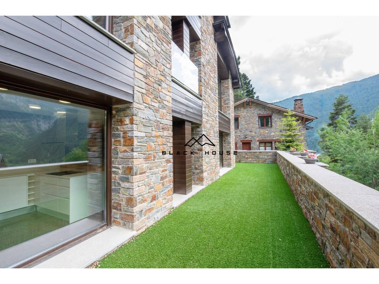 Fabulosa casa adossada en venda a Arinsal