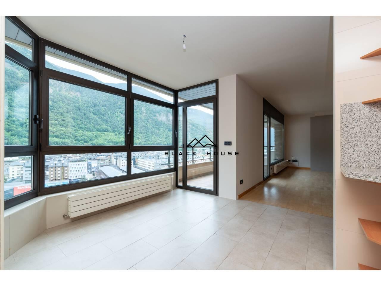 Luxós àtic en venda a Andorra la Vella.