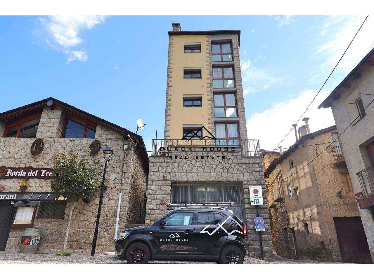 Edifici en venda al nucli d'Encamp