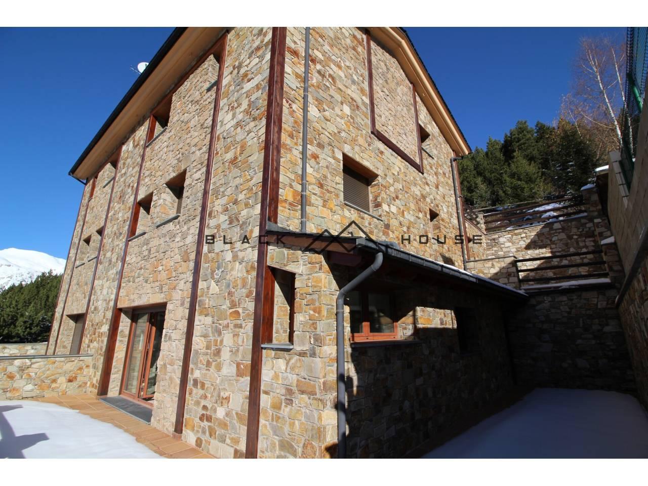 Casa adosada en venda en Canillo