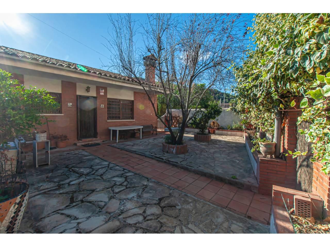 Casa en venta en Vallirana