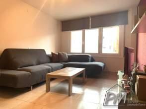 Piso en venta a zona Sant Narcís cerca  AP7 Sur de 2ª mano - 5946
