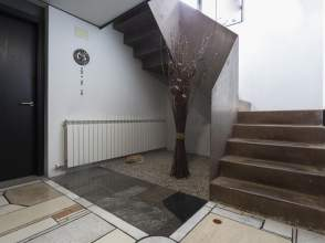 Casa pareada esquinera en Campdevànol de 2ª mano - 6121