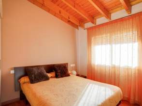 Casa adosada esquinera en venta en Sant Julià del Llor i Bonmatí de 2ª mano - 5001