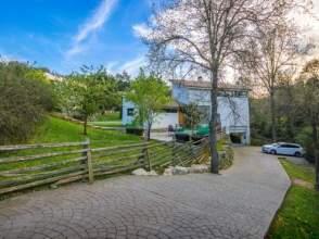 Casa de diseño en venta en Bescano