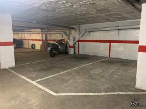 Garage for rent in Centre