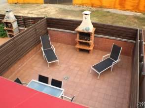 Casa adosada en venta en Vilablareix de 2ª mano - 771