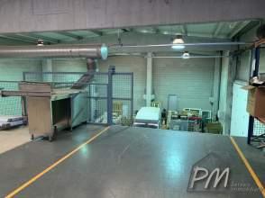 Nave industrial en venta en Centre de 2ª mano - 4636